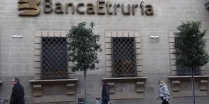 10/12/2015 Arezzo, manifestazione indetta dalla Lega Norda davanti alla banca Etruria, in appoggio alle richieste dei rispamiatori rimasti penalizzatti dal salvattaggio della banca. Partecipa anche il segretario della Lega.