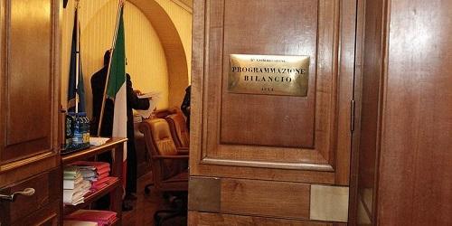 Legge di bilancio 2018: non approvato dalla commissione bilancio della  Camera l'emendamento di Confedercontribuenti a favore dei contribuenti in  difficoltà   Confedercontribuenti